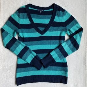 GAP Incredibly Soft Striped V-Neck Sweater, XS/S